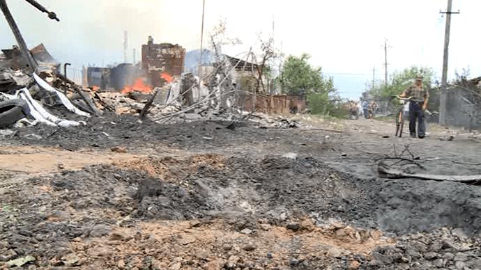 The streets of Kondrashovka devastated by Kiev troops (Still from RT video)