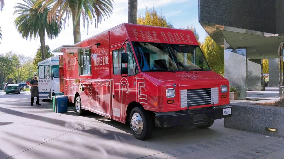 De las oficinas de Google salen futuros negocios gastronómicos sobre ruedas: 'food trucks' que, una vez graduados, se enfrentan al consumidor real.