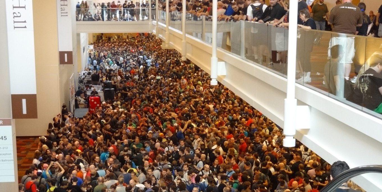 GenCon-Crowd