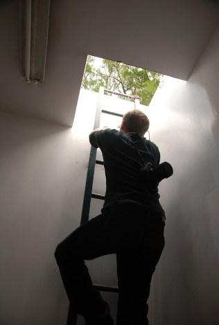 L'échelle pour grimper sur le toit