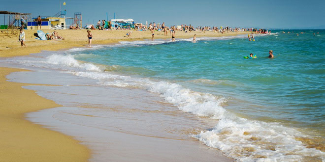 В Анапе туристам запретили купаться в море