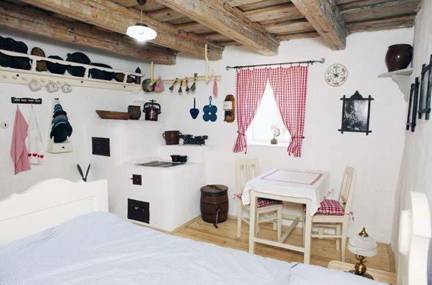 Отель — это скучно, поживите в Чехии в бочке или на дереве!