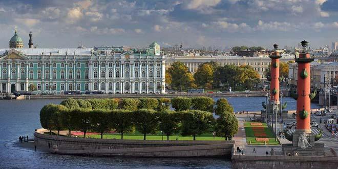 Плавучие отели появятся в Петербурге
