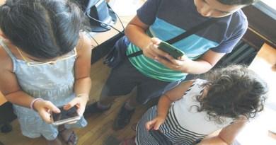 S mobilnim na čas već od trećeg razreda osnovne škole