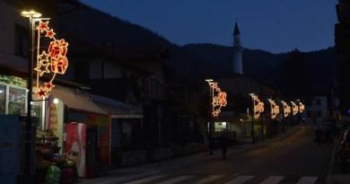 Dekoracija vredna 1,72 miliona dinara krasiće ulice Prijepolja