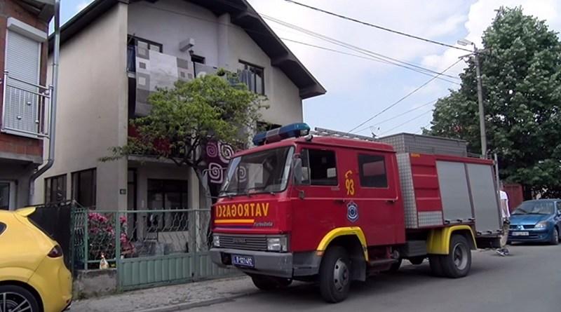 Požar na Hadžetu: Vatrogasci spasili majku i bebu