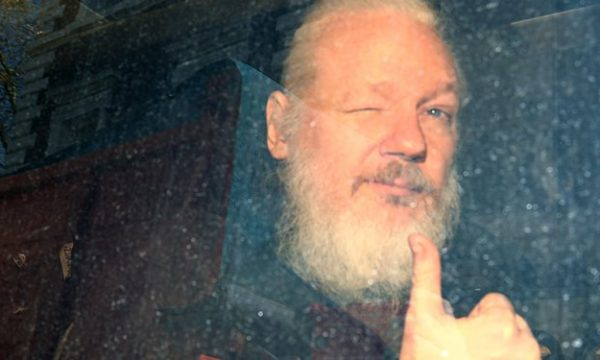 Assange nuk është një hero i fjalës së lirë