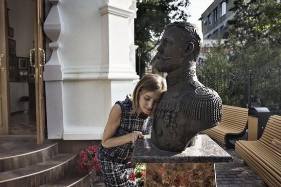 Прокуратура Крыма поставила Поклонснкую с её Николашкой на место: в рамки закона