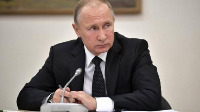 Владимир Путин посетил Российскую государственную специализированную академию искусств
