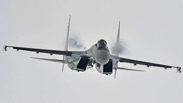 Многоцелевой сверхманевренный истребитель Су-35