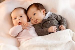 Королевские близнецы, мальчик и девочка, появились на свет восьмого января. Их имена, согласно датской королевской традиции, не объявлялись вплоть до дня крещения