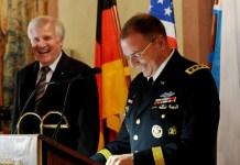 """Из-за """"российской агрессии"""" США оставят войска в Польше и Прибалтике до 2015 года"""