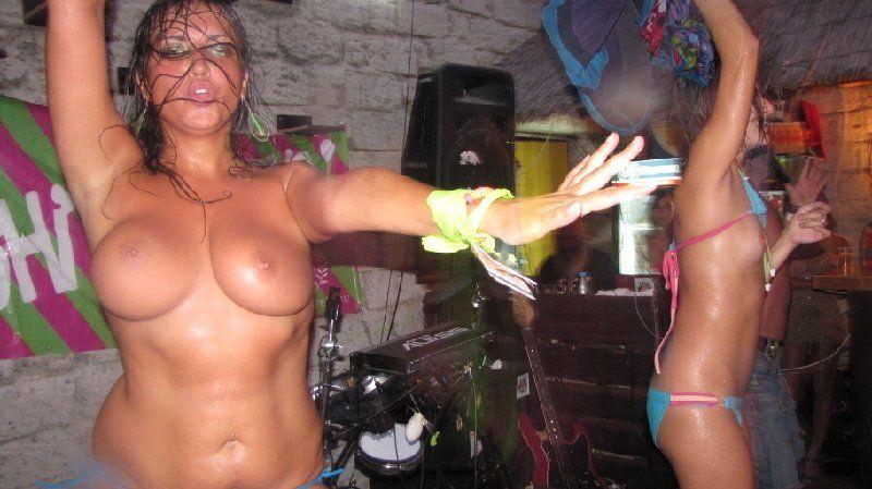 Казантип 2010 - эротические фотки (21 фото)
