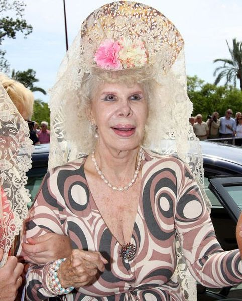 Герцогиня Альба выходит замуж за обычного служащего (12 фото)