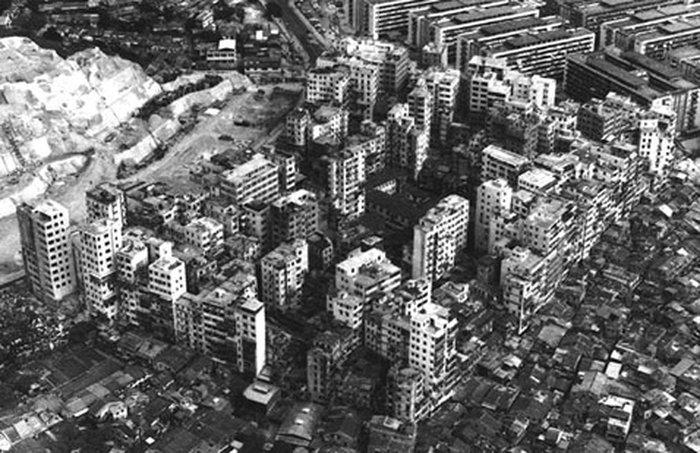 В 1973-м в 2185 квартирах находилось 10 тысяч человек. Тогда они и не догадывались, что жили в невероятном просторе… (фото с сайта twenty4.co.uk).