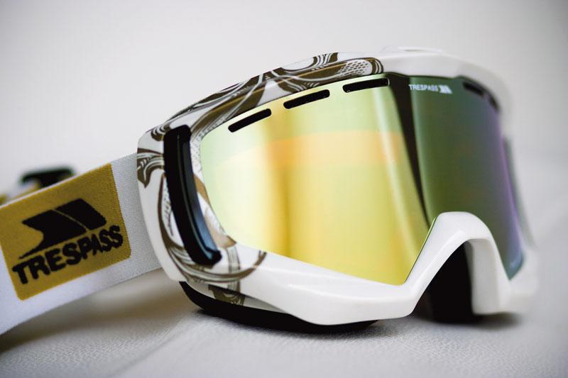 Design & development of a high end snowsport goggle.