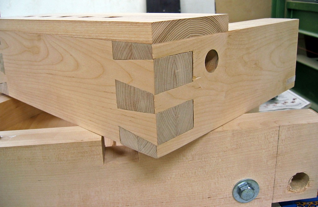 угловые соединения деревянных деталей