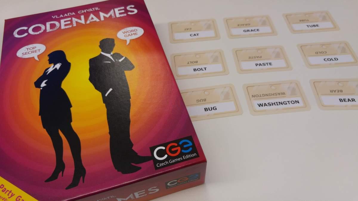 Codenames (Código Secreto) - O Reboliço na Mesa!