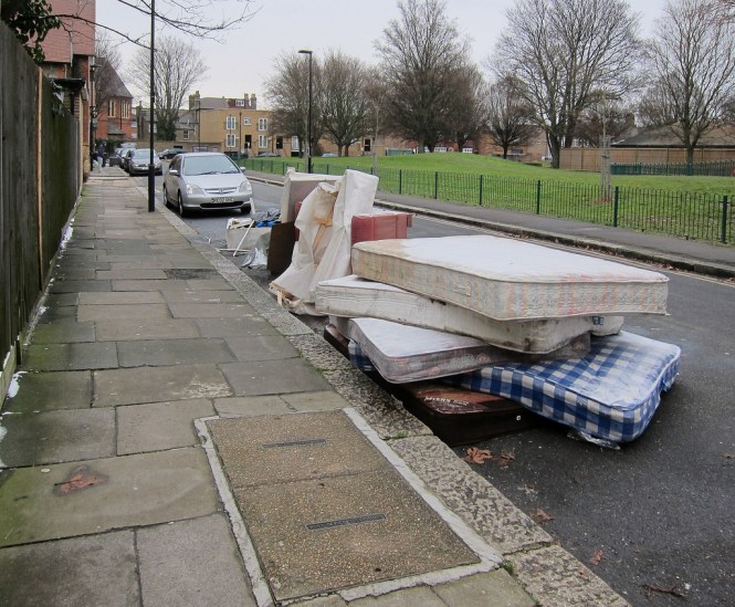 The Recycling People Kt11 Ltd Offer A Low Cost Mattress Disposal Service In Guildford For Local Householders