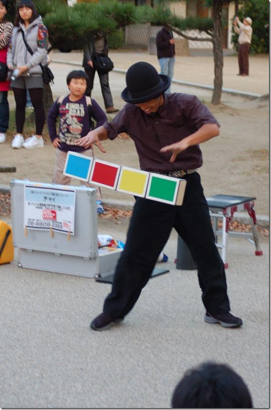 уличный жонглер