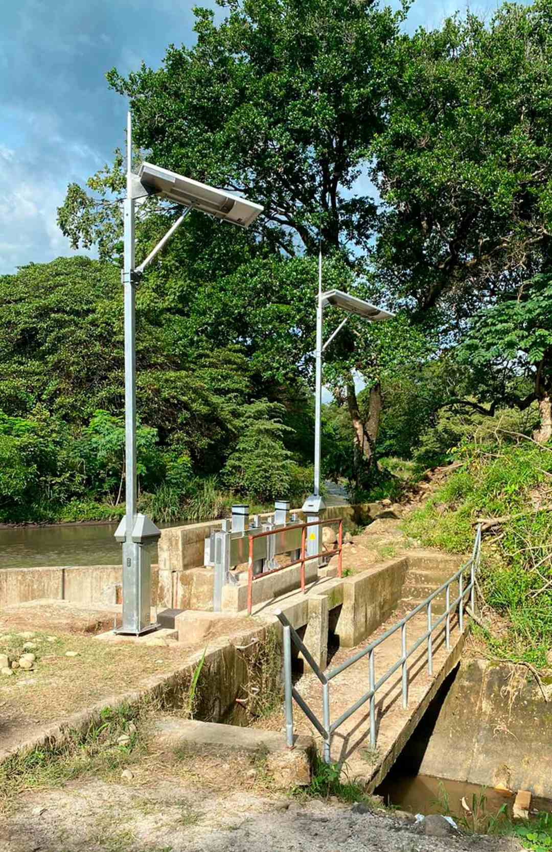 Rubicon Automated Control Pedestals with Integrated Communications - Costa Rica