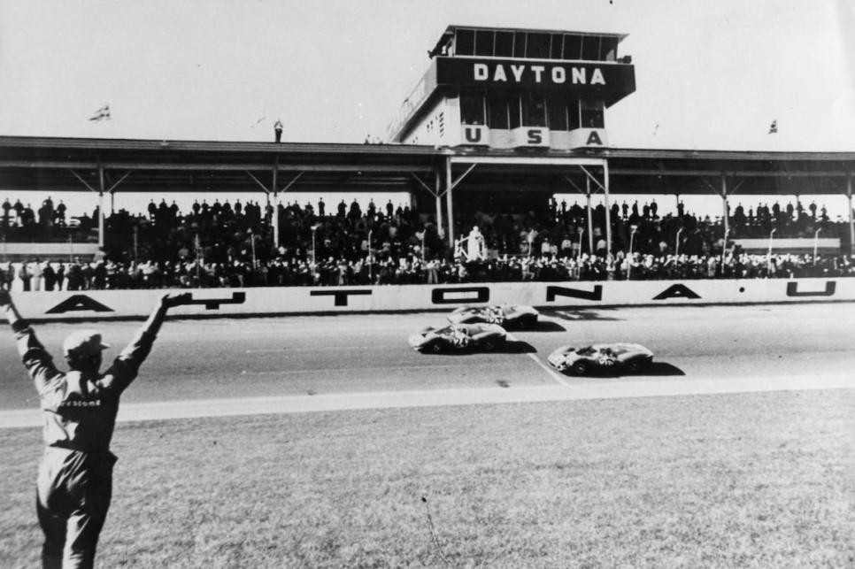 Ferrari-Racing-Daytona-18.jpg