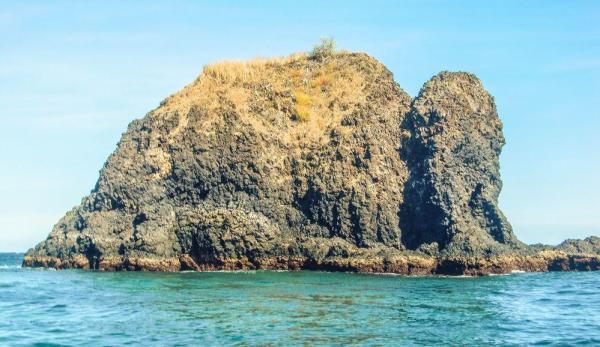GIli Tupekong Salah satu lokasi snorkling di Candidasa. Sebelum ke tempat ini pastikan gelombang tidak besar, karena waktu saya ke sini gelombang besar jadi tidak jadi snorkling.