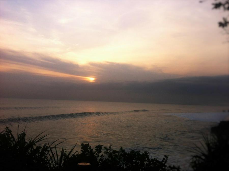 Pura Tanah Lot Lengkap Dengan Sunset dan Tari Kecak