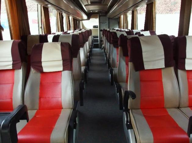 Bisa dilihat bagaimana rapi dan bersihnya bus Damri Cilacap - Jakarta