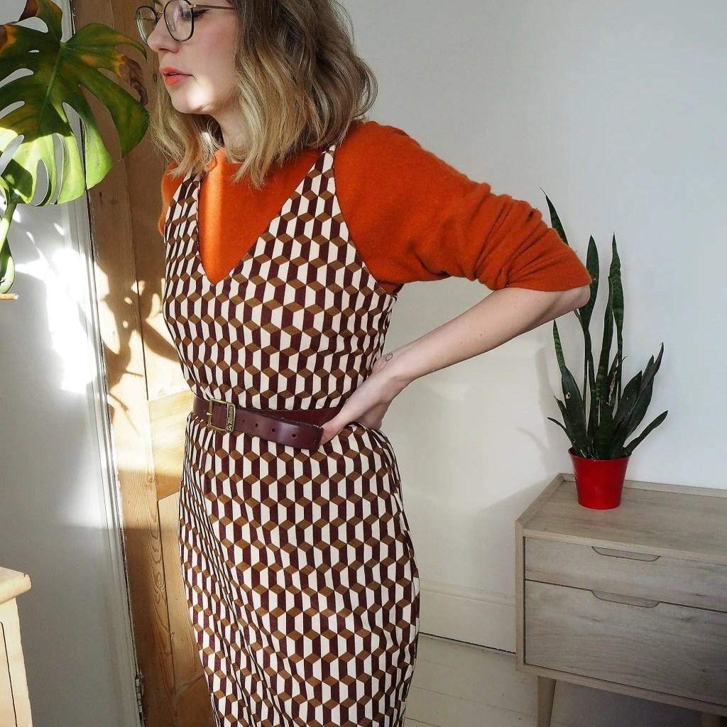 Leona dress velvet close up