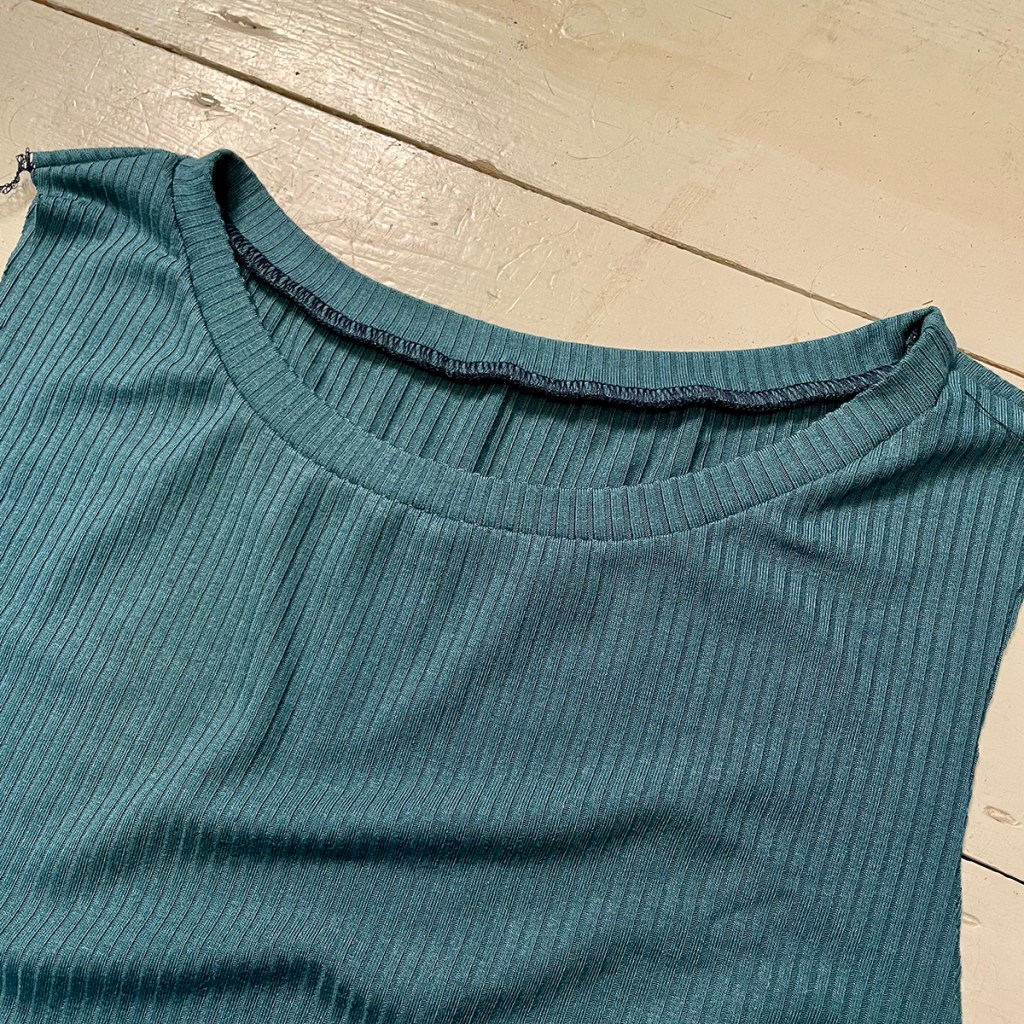 Ribbed band on necline of maternity dress