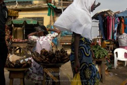 plantain seller in pose