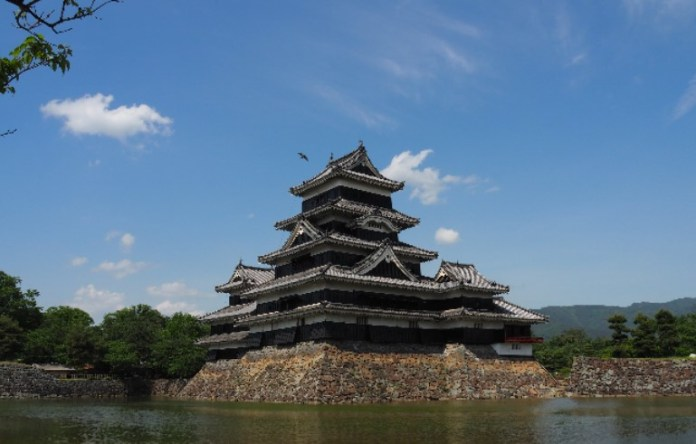 Japan_Matsumoto_Krähenburg