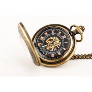 Elegancja w brązie – zegarek kieszonkowy