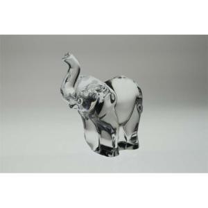 Kryształowa figurka o kształcie słonia.