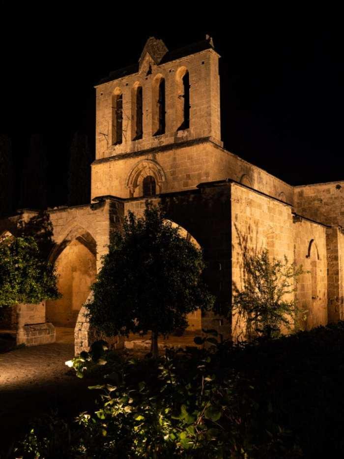cypr-polnocny-opactwo-bellapais