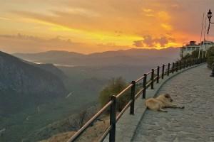 Blick von Delfi ins Tal