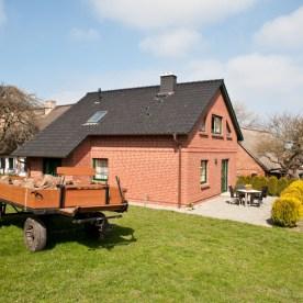 20110417-0395-edit-gartenhaus