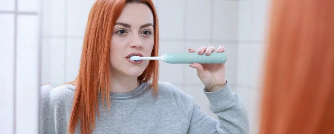צחצוח שיניים