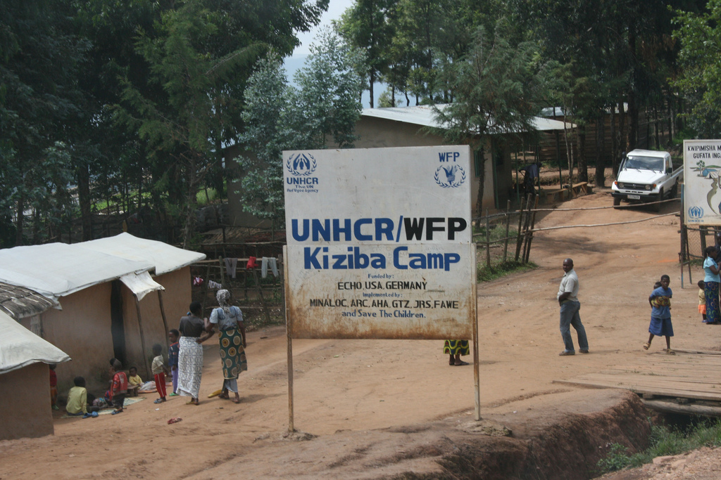 Polisi y'u Rwanda n'impunzi z'abanyekongo mu nkambi ya Kiziba rurambikanye