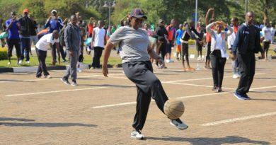 Kagame yabagiwe kutubwira impamvu atazanye na Jeannette Nyiramongi gukora siporo