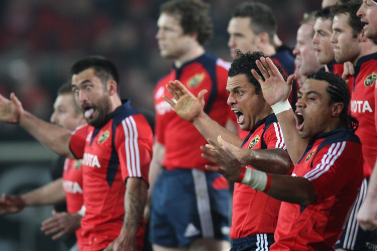 rua-tipoki-doug-howlett-and-lifeimi-mafi-lead-the-munster-haka-752x501