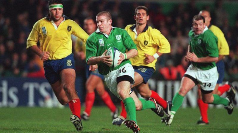 Rugby World Cup 15/10/1999 Ireland vs Romania Ireland's Gordon D'Arcy chased by Catalin Draguceanu of Romania ©INPHO/Patrick Bolger