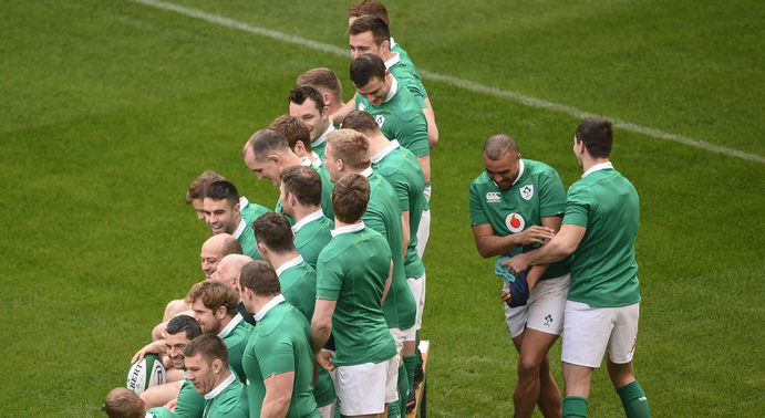 Pics: Simon Zebo Brilliantly Winds Up Johnny Sexton In Ireland Team Photo