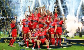 LONDON, ENGLAND - MAY 02: The Toulon team celebrate their victory during the European Rugby Champions Cup Final match between ASM Clermont Auvergne and RC Toulon at Twickenham Stadium on May 2, 2015 in London, England. (Photo by David Rogers/Getty Images) ***BESTPIX***