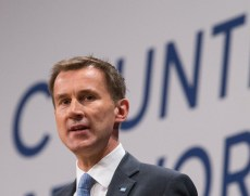 © Licensed to London News Pictures . 04/10/2016 . Birmingham , UK . JEREMY HUNT speaks on Health during the third day of the Conservative Party Conference at the International Convention Centre in Birmingham . Photo credit : Joel Goodman/LNP