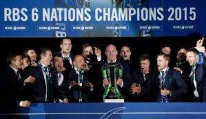 Rugby Union - Scotland v Ireland - RBS Six Nations Championship 2015 - Murrayfield Stadium, Edinburgh, Scotland - 21/3/15 Paul O'Connell of Ireland and team mates celebrate with the trophy after winning the RBS Six Nations Championship Reuters / Russell Cheyne EDITORIAL USE ONLY.