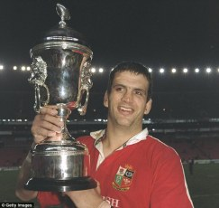 02931fc60000044d-0-martin_johnson_led_the_lions_to_victory_in_south_africa_in_1997_-m-13_1477474204536