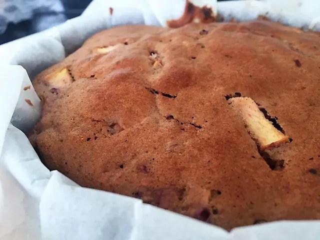 Suikervrije appelcake met bosvruchten