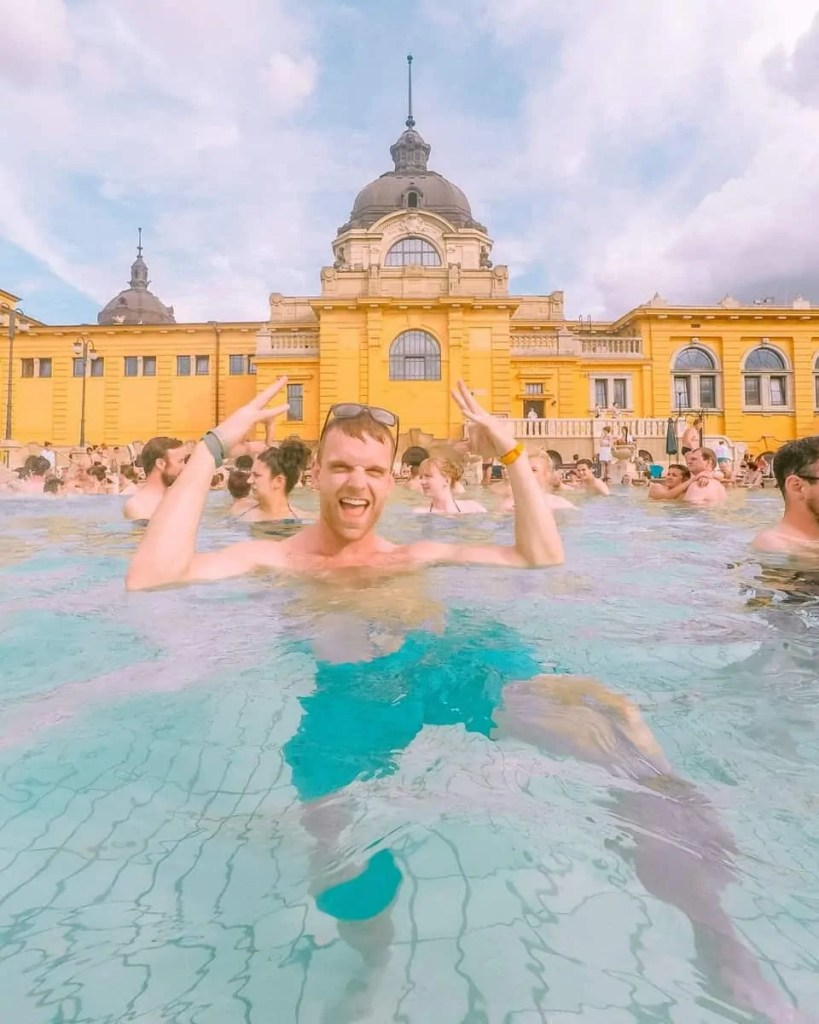 medicinal bath house, bath houses budapest, budapest thermal bath, budapest medicinal bath, thermal springs budapest, budapest hot springs, hot springs budapest